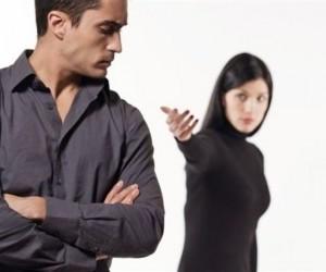 Как вернуть жену, если она не хочет отношений? фото